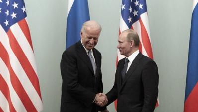 La Russie dénonce le refus américain d' un dialogue public Biden-Poutine