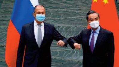 """Moscou et Pékin se défendent de tout """"opportunisme"""""""