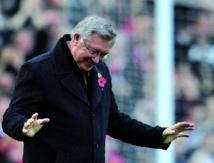 Alex Ferguson : Le plus grand entraîneur du foot britannique annonce sa retraite