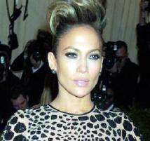 """Jennifer Lopez et Pitbull dévoilent """"Live It Up"""""""