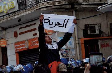 23 manifestants détenus en grève de la faim