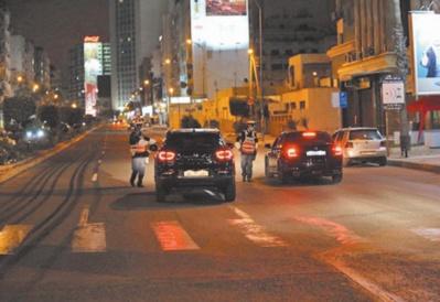 La police à pied d'oeuvre pour faire respecter le couvre-feu nocturne