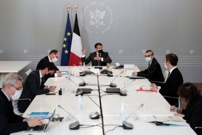 La France décidée à déconfiner en mai malgré une décrue fragile