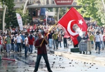 Les manifestations continuent à Istanbul