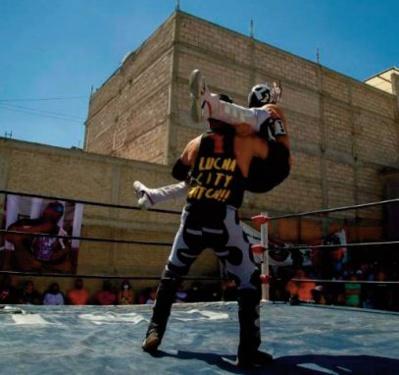 Au Mexique, les lutteurs mis au tapis par la Covid-19