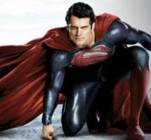 """Superman dans """"Man of Steel"""" s'envole au box-office américain"""