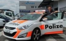 Insolite : Voitures de police à louer