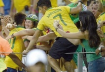 Reportage : Les supporters entre amour du foot et conscience sociale