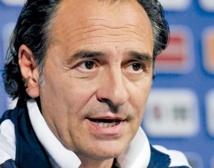 """Cesare Prandelli : """"L'Espagne va beaucoup mieux que l'Italie"""""""