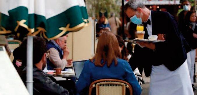 L'UE rouvre ses portes aux touristes mais peine à finaliser son certificat sanitaire