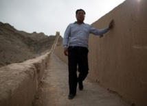 "M. Yang et ""sa"" Grande Muraille de Chine"