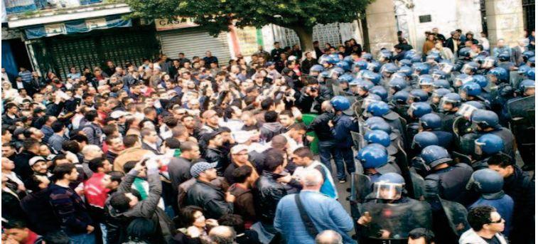 2000 manifestants interpellés en douze jours en Algérie