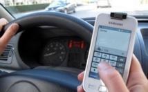 Envoyer des SMS par reconnaissance vocale au volant reste dangereux