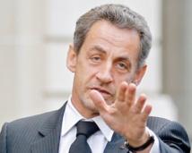 Sarkozy reprend des activités dans sa famille politique