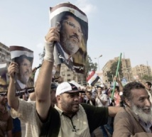 Appels à manifester des adversaires et des partisans de Morsi