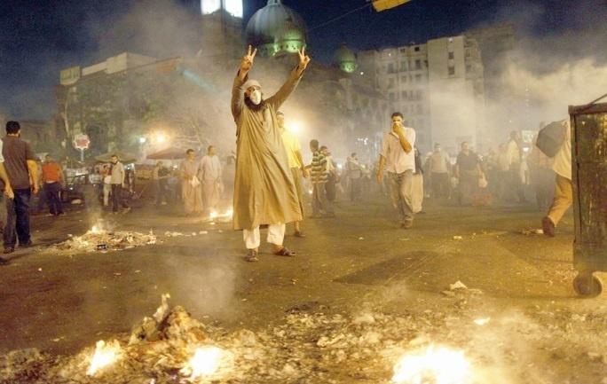 Heurts meurtriers au Caire entre les pro et anti-Morsi