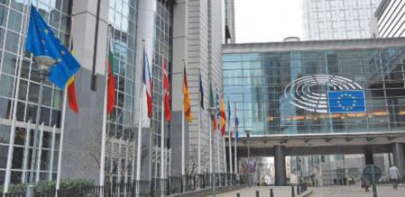 Le PE aurait dû s'abstenir de politiser un différend bilatéral