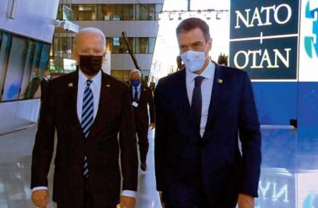 """Les petites secondes du """"Sommet"""" Sanchez-Biden tournées en dérision en Espagne"""