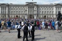"""Le """"royal baby"""" a un titre, prince de Cambridge"""