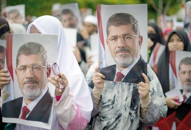 La justice égyptienne ordonne la détention du président déchu
