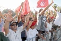 Deuil et appels à un nouveau gouvernement en Tunisie