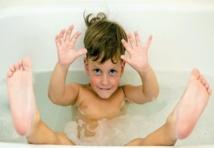 L'eau potable aide les enfants à grandir