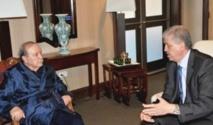 Abdelaziz Bouteflika balbutie son renouveau politique