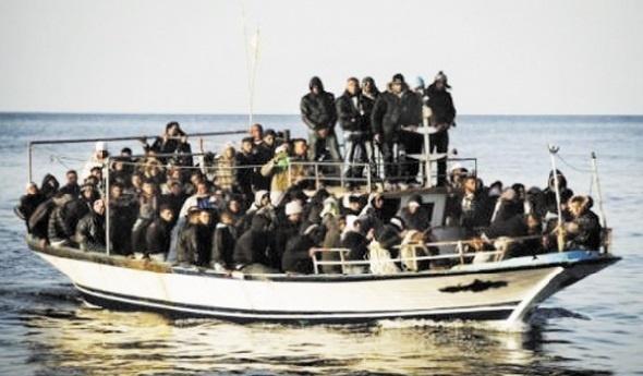 Une centaine d'immigrants clandestins bravent le Détroit de Gibraltar