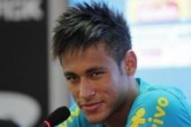 Neymar répond à Villa et relance le Barça