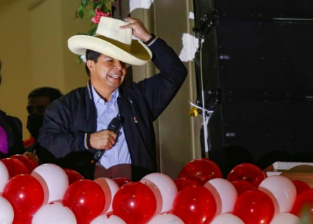 """Pedro Castillo, """"le premier président pauvre """" du Pérou"""