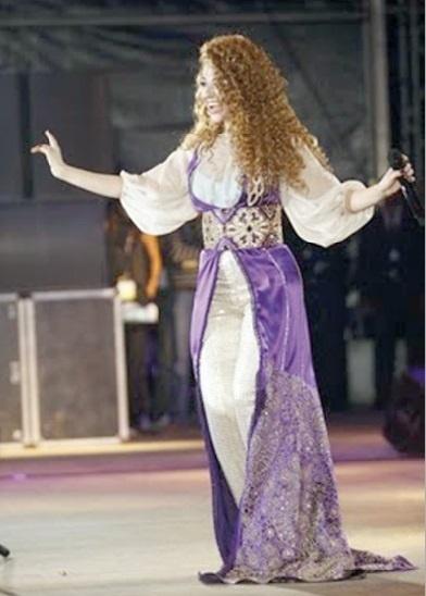 Myriam Fares clot en beauté le Festival de Nador