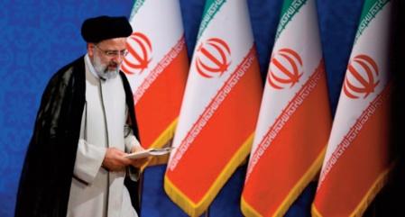 L' ultraconservateur Ebrahim Raïssi intronisé président de l'Iran