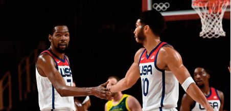 Team USA monte vers l'Olympe en rouleau-compresseur