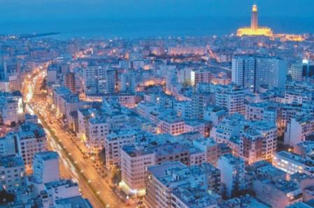 Calme nocturne avant le retour au tumulte à Casablanca
