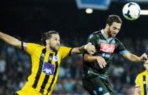 Naples prend les  commandes de la Serie A