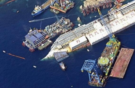 Le redressement du Costa Concordia, un pari fou