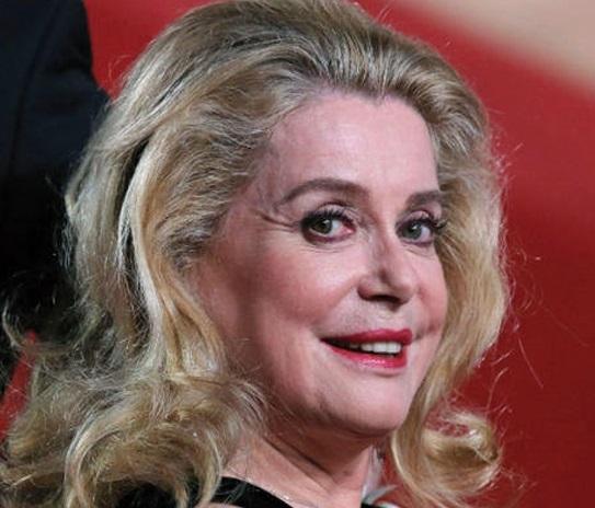 Catherine Deneuve : L'actrice estime que la télévision aurait dû diffuser les films de la fiancée du pirate