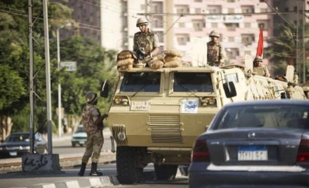 Assaut de l'armée contre des islamistes au Caire