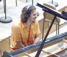 Levée de la suspension du musicien cubain Roberto Carcassés
