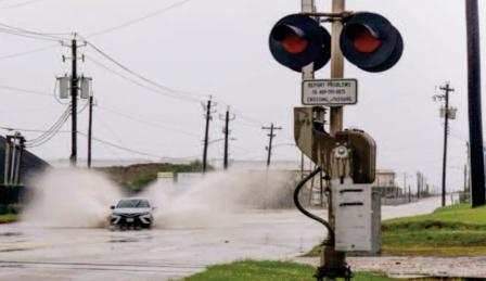 L'ouragan Nicholas touche terre au Texas