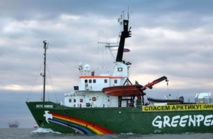 Greenpeace accusé de piraterie par la Russie