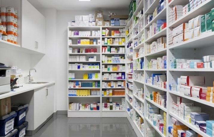 Industriels et pharmaciens à couteaux tirés
