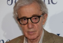 "Woody Allen refuse les messages anti-tabac indiens et retire ""Blue Jasmine"""