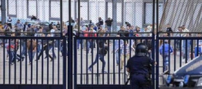 Violentes manifestations contre la police de Mellilia