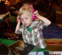 Insolite : Bébé DJ