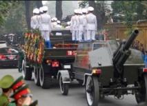 Le Vietnam  fait ses adieux  au général Giap