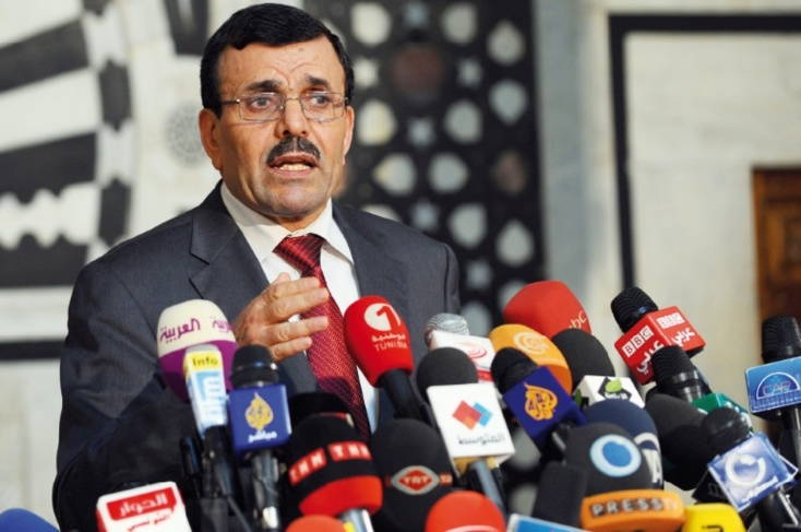 Sept policiers tués en Tunisie et début des négociations retardé