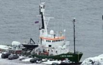 La Russie réduit ses charges contre un navire de Greenpeace