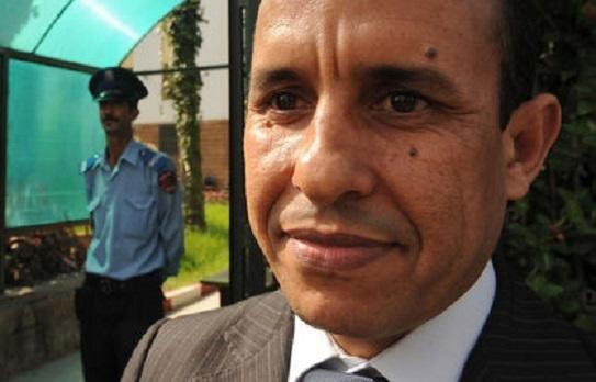 Le journaliste Ali Anouzla quitte la prison et passe devant le juge mercredi