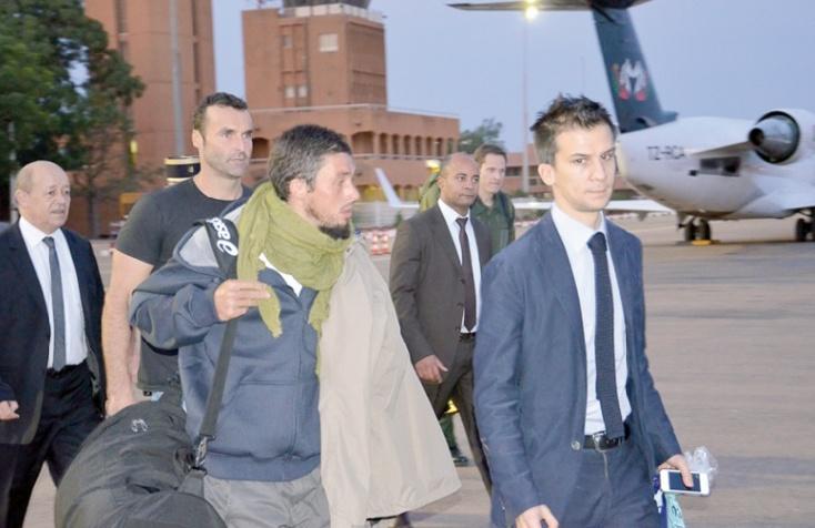Les quatre ex-otages français en route pour Paris